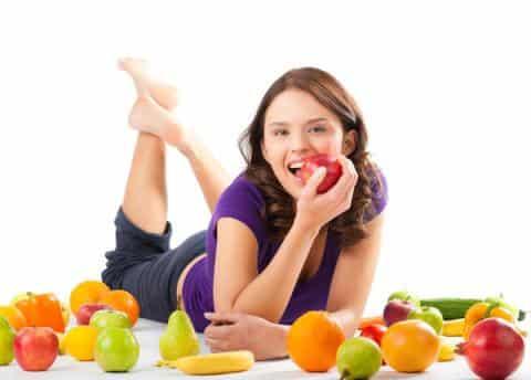 Ăn trái cây tươi hằng ngày